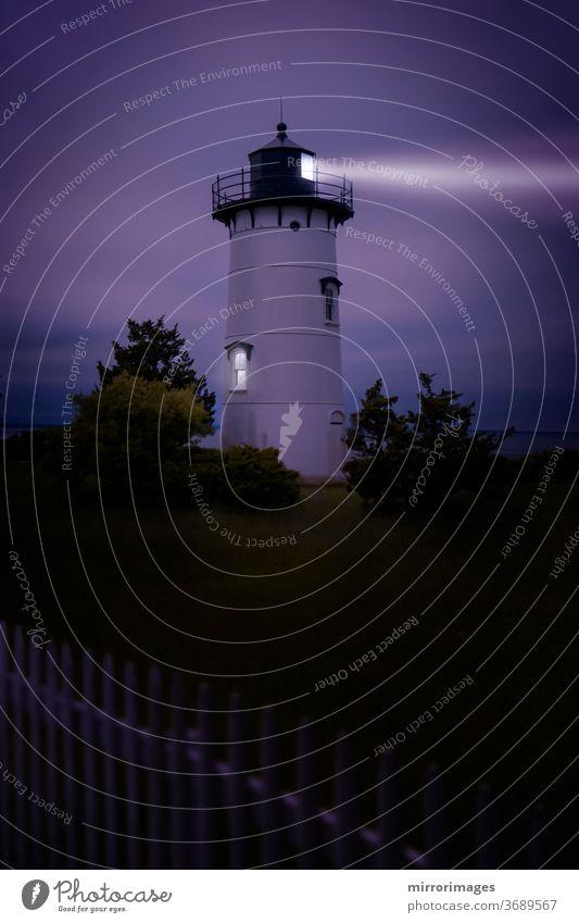 Leuchtturm Martha's Vineyard Sound und Nantucket Sound The East Chop weiße und schwarze Oak Bluffs, weißer Lattenzaun