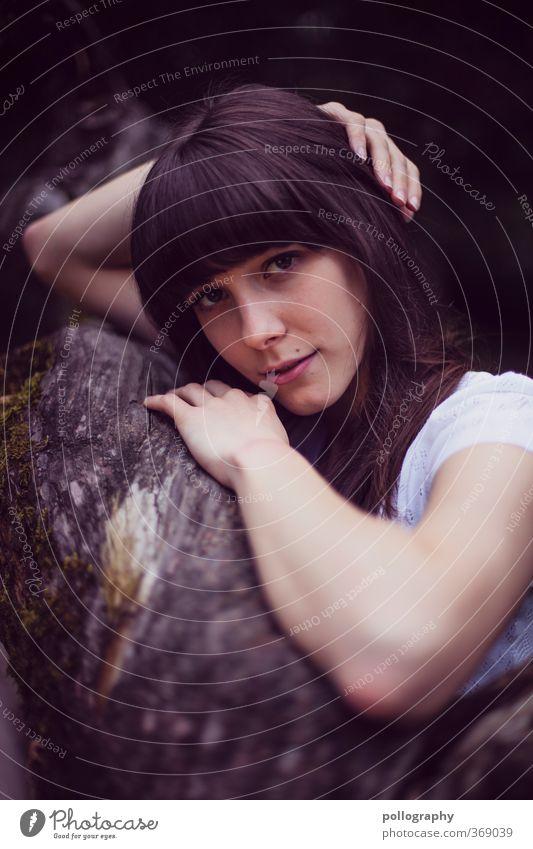 direct (9) Mensch Frau Natur Jugendliche Sommer Pflanze Baum Freude Junge Frau Wald Erwachsene 18-30 Jahre Leben Gefühle feminin Glück