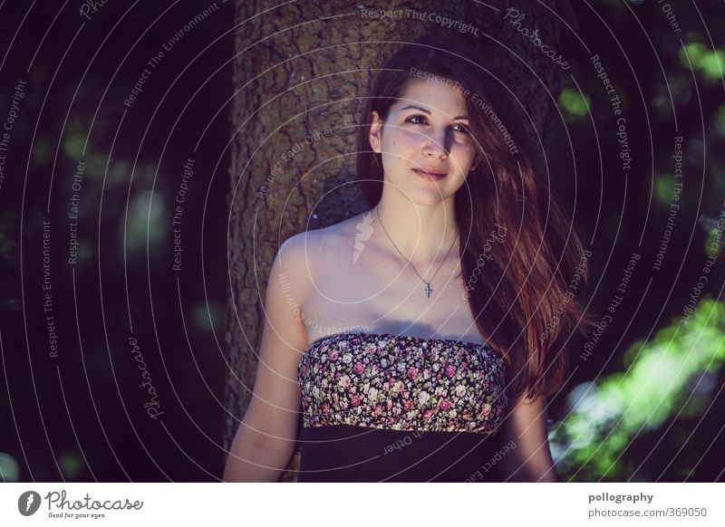 Kiri VII Mensch feminin Junge Frau Jugendliche Erwachsene Leben Körper 1 18-30 Jahre Natur Pflanze Sommer Schönes Wetter Baum Garten Park Wald Kleid Halskette