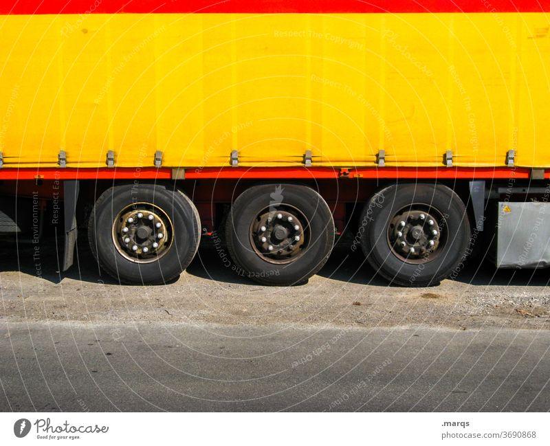 Lieferwagen lkw Lastwagen Güterverkehr & Logistik Transport Spedition Versand Anhänger Fahrzeug Fracht Lastkraftwagen Ladung gelb Zusteller Paket