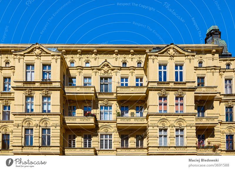 Altes Mietshaus in der Slaska-Straße in Szczecin (Stettin), Polen. Großstadt Gebäude alt Residenz Haus Architektur Fassade Stadt Himmel Sommer sonnig