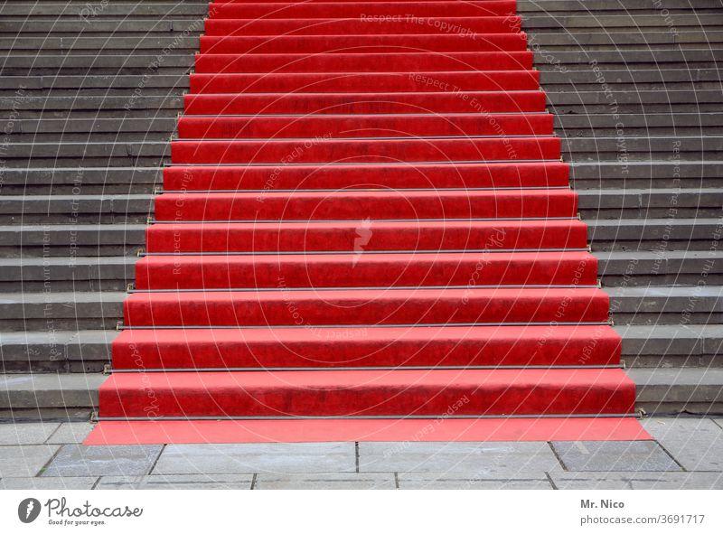 red carpet Treppe rot grau Teppich Begrüßung Feste & Feiern Architektur Bauwerk Veranstaltung elegant Lifestyle Erfolg Starruhm Politik & Staat Show Medien