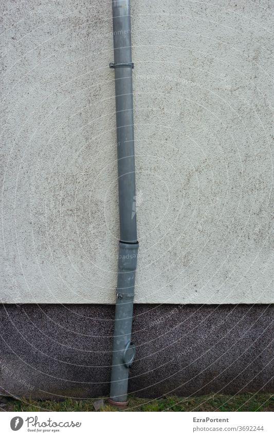 Knigge Fassade Wand Mauer Putz Regenrohr Regenrinne Fallrohr Knick schief weiß grau Design Farbe Gebäude Architektur Strukturen & Formen Haus Linie graphisch