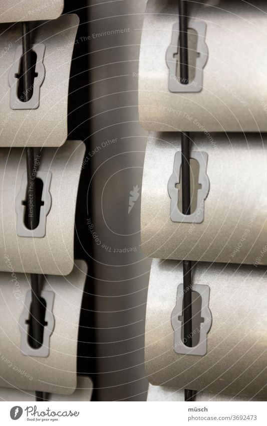 Lamellen Sonnenschutz hell dunkel Durchsicht Verweigerung Neugier Spiel regulieren Licht Schatten Architektur Aluminium Kunststoff Stahl Fenster innen aussen