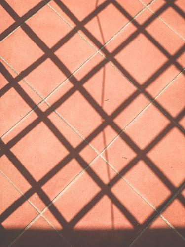 Muster Kacheln Schatten Fliesen u. Kacheln Bodenbelag Strukturen & Formen abstrakt Mosaik Design Menschenleer Linie Quadrat Hintergrundbild