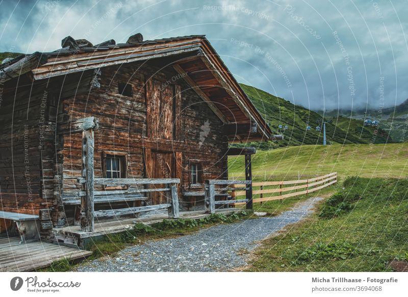 Berghütte in den Alpen Serfaus-Fiss-Ladis Österreich Bundesland Tirol Landschaft Berge u. Gebirge Hütte Holzhütte Scheune Ferien & Urlaub & Reisen