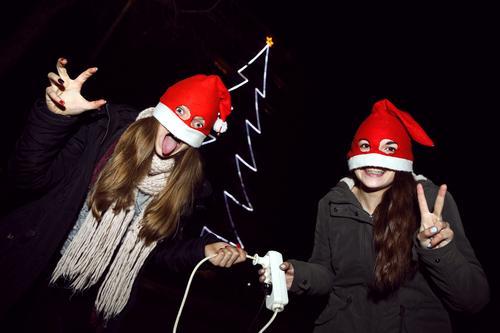 Weihnachtsmonster ziehen den Stecker aus der Steckdose Weihnachten & Advent Weihnachtsdekoration Dekoration & Verzierung Weihnachtsbaum Winter Tradition Tanne