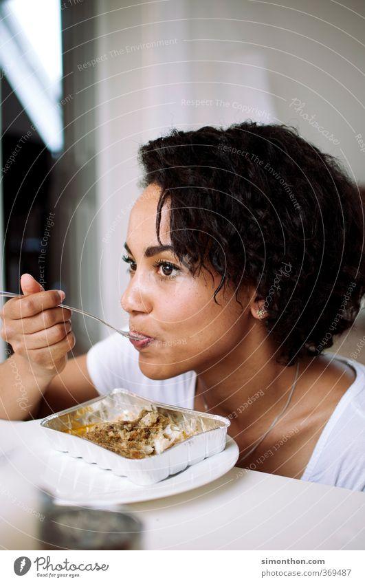 Essen Fisch Ernährung Mittagessen Reichtum schön Körperpflege Gesundheit Gesunde Ernährung Häusliches Leben Studium Student feminin 1 Mensch 18-30 Jahre