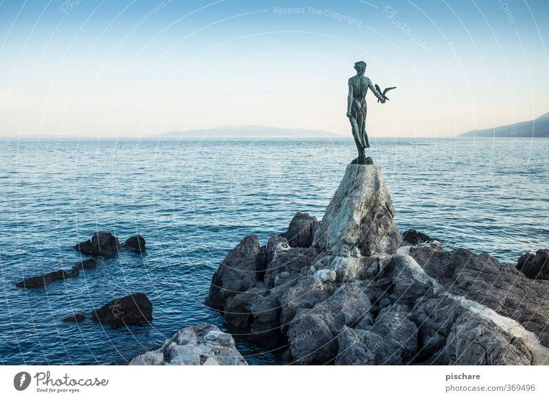 Opatija Wolkenloser Himmel Horizont Schönes Wetter Felsen Küste Meer blau Statue opatija Kroatien Farbfoto Außenaufnahme Dämmerung Sonnenaufgang Sonnenuntergang