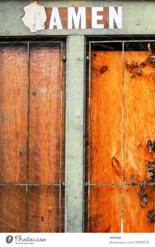 AMEN amen alt Fassade Schriftzeichen orange Fenster Holz Gitter Religion & Glaube Dame skurril