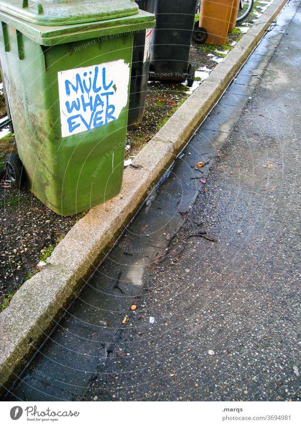 Individual Waste Umweltschutz Müllentsorgung Müllverwertung Müllabfuhr Müllbehälter Hausmüll Recycling Altpapiertonne Mülltrennung Mülltonne Straße grün schwarz