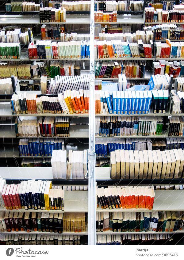 Bibliothek von oben Bildung Studium lernen Prüfung & Examen Buch Ordnung Gesetze und Verordnungen Erwachsenenbildung Antiquariat Universität Schule viele Regal