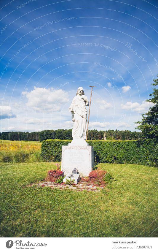 Katholisches religiöses Symbol Gott Jesus Religion Fragen Glaube glauben katholisch Christus christian Kirche Verschluss Komfort Geständnis dunkel ewig treu