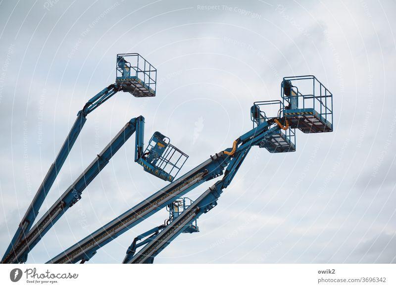 Vierköpfiges Ungeheuer Technik Technologie Hebevorrichtung Verlässlichkeit kompetent Außenaufnahme Detailaufnahme Menschenleer groß hoch schwer Metall Himmel