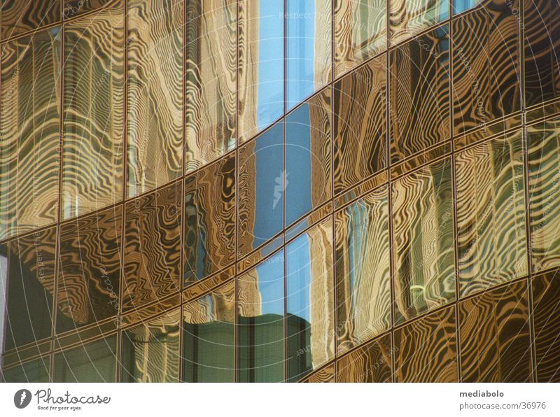 wolkenkratzer_spiegelung Platz Gebäude Reflexion & Spiegelung Moiré-Effekt Wölbung Architektur Potsdamer DaimlerChrysler Himmel Glas
