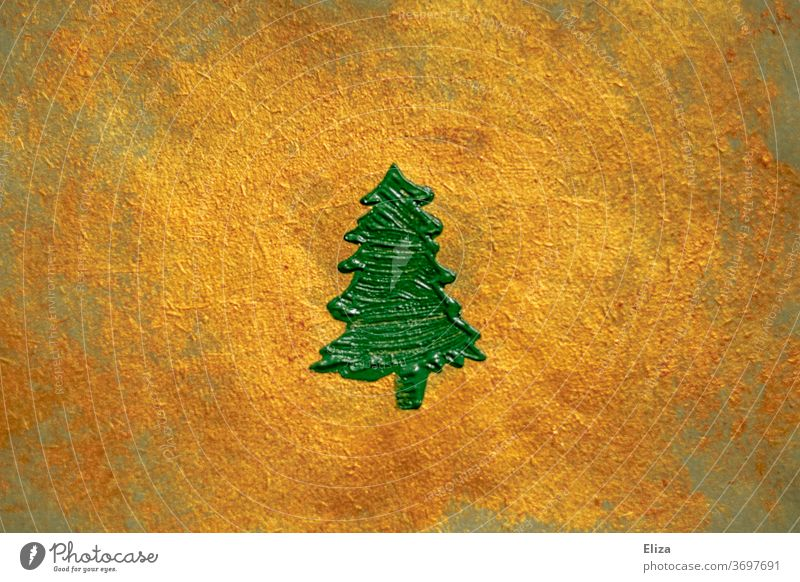 grüner gemalter Tannenbaum auf gold schimmerndem Hintergrund. Weihnachten. tanne golden Christbaum edel Dekoration textur Weihnachten & Advent Baum Struktur