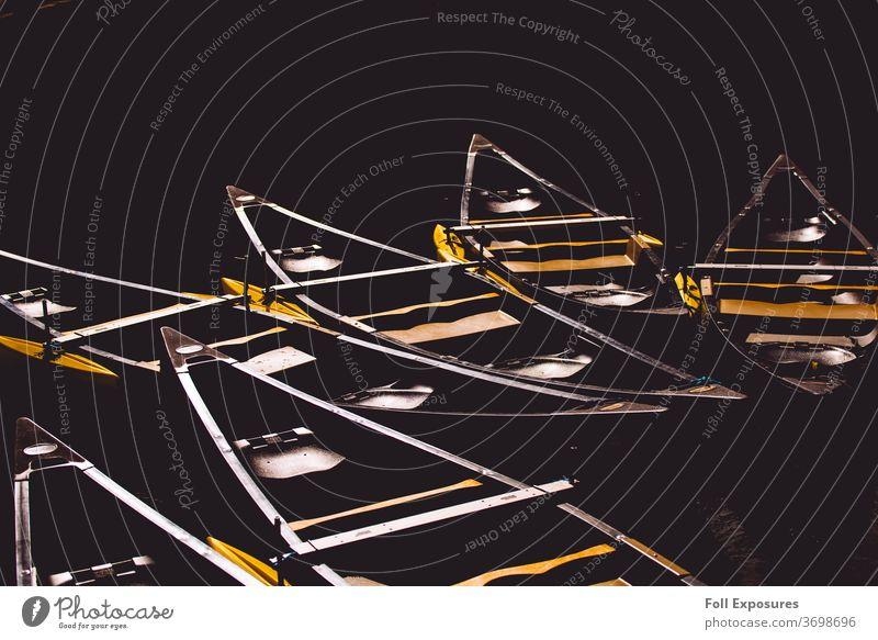 Kanus aalen sich untätig in der Nachmittagssonne im Grand-Teton-Nationalpark Außenaufnahme Wasser Kanutour Ferien & Urlaub & Reisen Farbfoto Natur Abenteuer