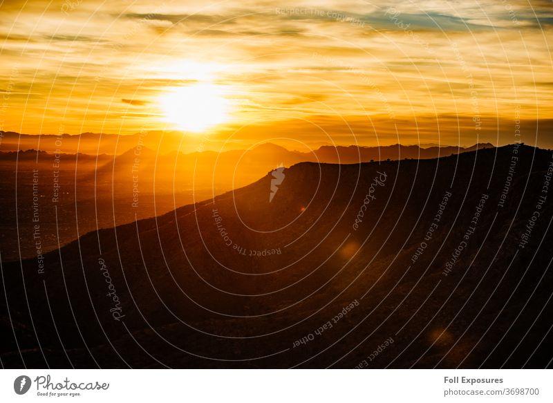 Die Sonne geht über den wunderschönen Bergen um Tucson, Arizona, unter Staatsforst Wald Natur USA Ferien & Urlaub & Reisen Berge u. Gebirge Landschaft Aussicht