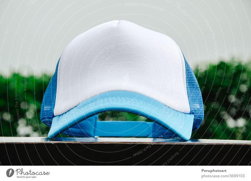 Truckerkappe ohne Logo Verschlussdeckel weiß Baseball Hut Attrappe Sport blanko vereinzelt Kopf Vorlage schwarz Design Hintergrund Symbol Stil Vorderseite Mode