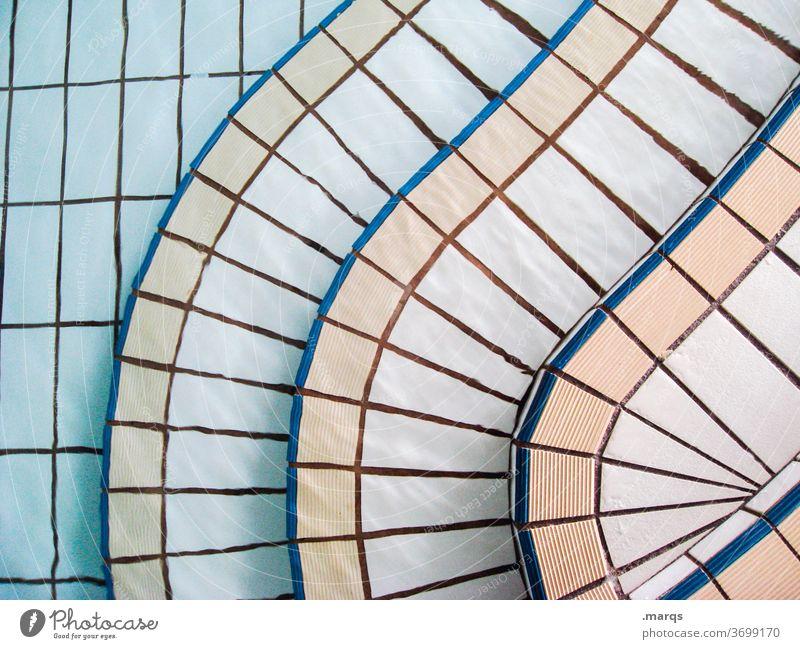 Einstieg hallenbad Schwimmbad Treppe Vogelperspektive Wasser gebogen rund Strukturen & Formen Fliesen u. Kacheln Muster Einstieg (Leiter ins Wasser) Beckenrand