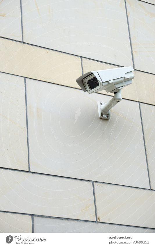Überwachungskamera Sicherheit cctv Technik & Technologie Video Kontrolle Schutz Wand Privatsphäre spionieren Gebäude beobachten Beobachtung Verbrechen Fassade