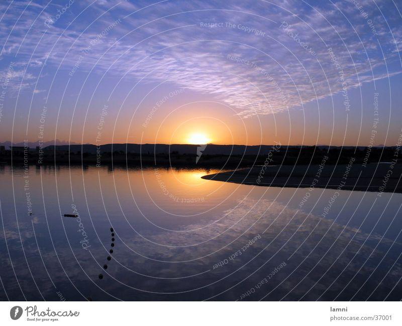 Spiegelung auf der Wasseroberfläche Reflexion & Spiegelung Wolken Sonnenuntergang ruhig Stimmung Fluss Landschaft agypten Rotes Meer Wüste Abend