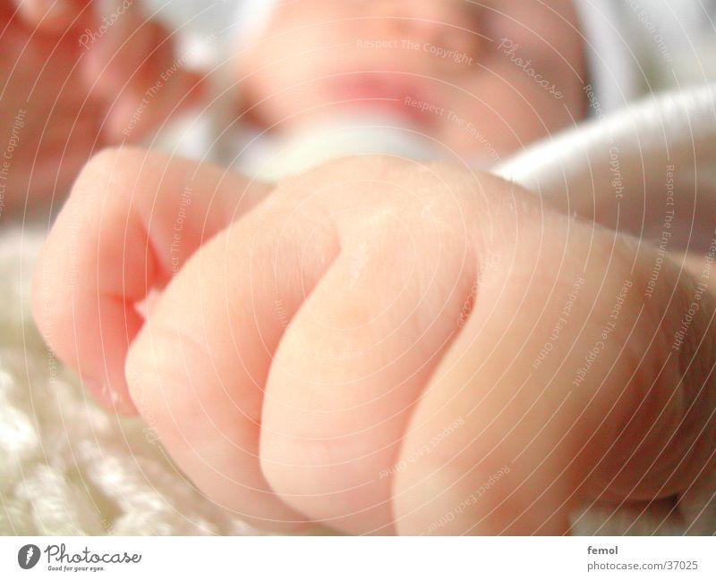 duermete niña Kind Hand Baby