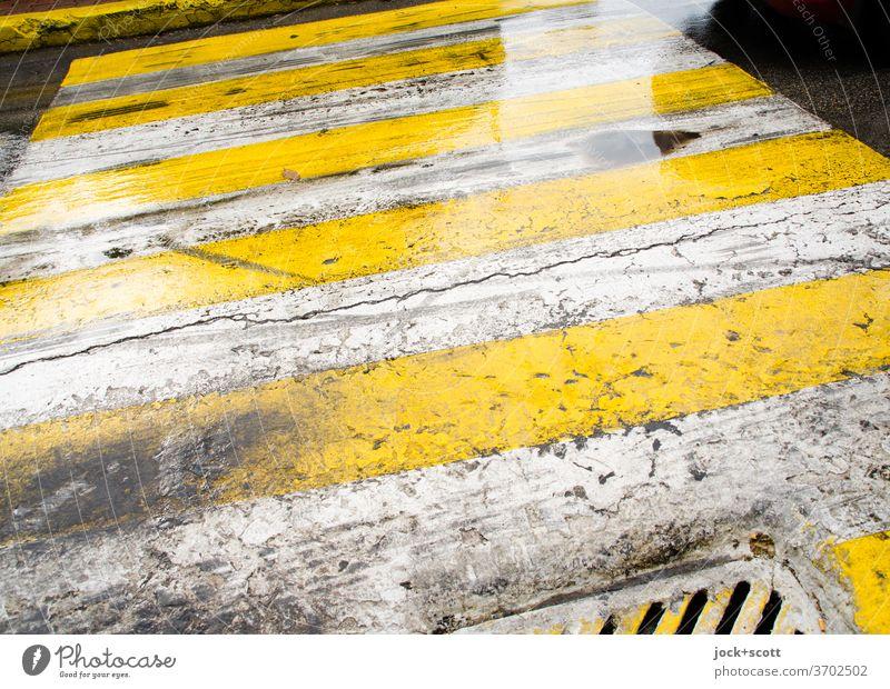 Art von Zebrastreifen Asphalt griechisch Muster Zahn der Zeit Wege & Pfade Symmetrie unten authentisch Strukturen & Formen Streifen Schilder & Markierungen