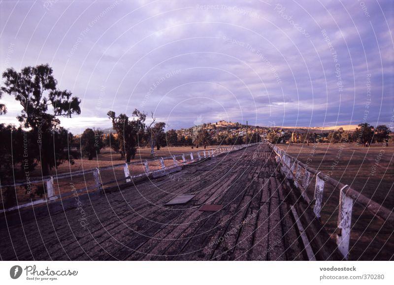 Gundagai Alte Brücke Ausflug Ferne Landschaft Verkehrswege Autobahn Ferien & Urlaub & Reisen braun violett Australien Stütze Holz Überfahrt in Australien