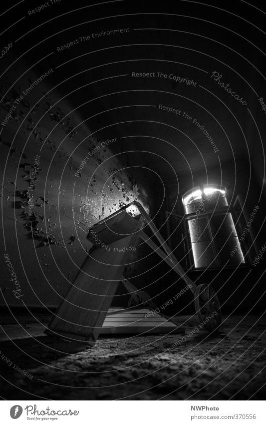 room service Krankenpflege Ausflug Abenteuer Städtereise Haus Möbel Raum Gesundheitswesen Kunst Printmedien Schönes Wetter Dorf Menschenleer Ruine Bauwerk