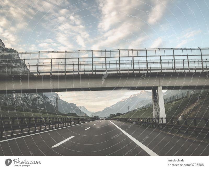Autobahnbrücke Straße mobil Reise Asphalt Verkehr Weg Landschaft PKW Geschwindigkeit Ausflug Fahrzeug fahren Verkehrsmittel Autofahren Personenverkehr