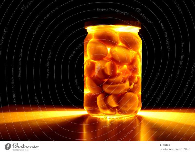 1. Wahl Champignons Konservendose Delikatesse Kopf Glas Küche Pilz Büchse Becherglas Dose kochen & garen Lebensmittel Gemüse Vertrauen Gastronomie eingelegt
