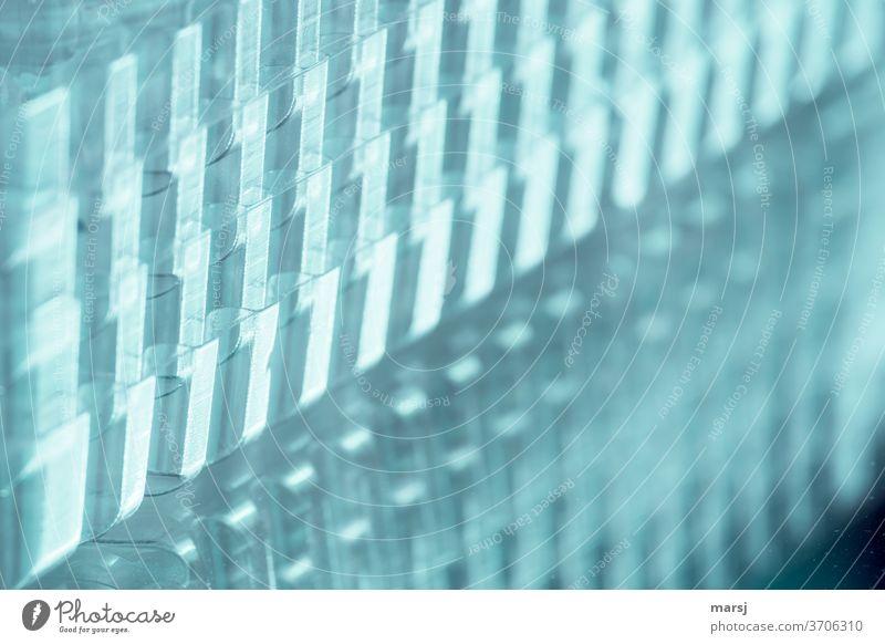 Plastik gestapelt transparent Wiederverwendung geheimnisvoll recycling Kunst Nahaufnahme Müll einzigartig Design schichtweise außergewöhnlich Hintergrundbild
