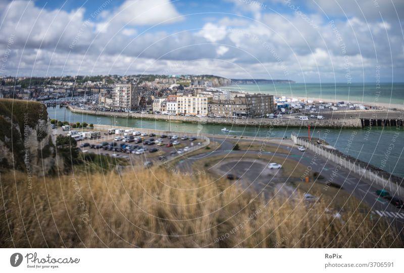 Miniaturansicht von Dieppe an der französischen Kanalküste. Normandie Steilküste Meer Fels Stein Seegang Strand beach Küste sea Frankreich france Nordsee Ozean