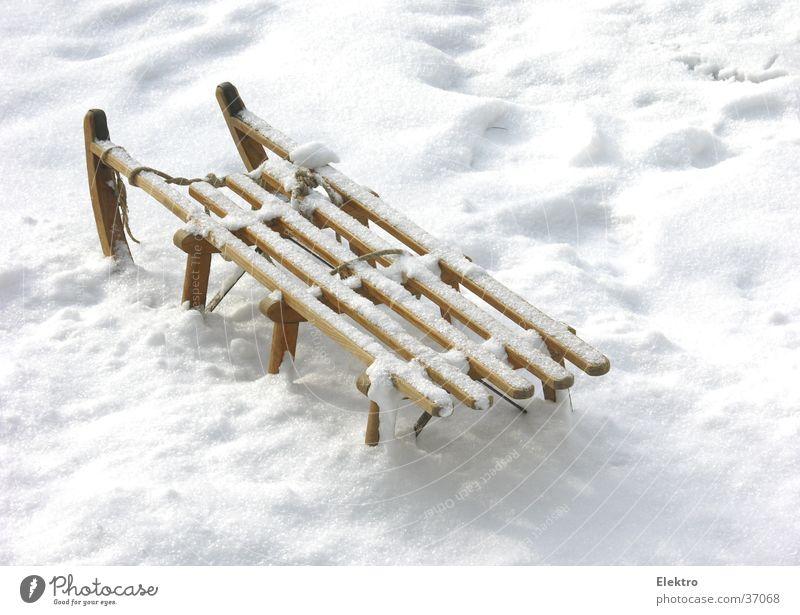 Bad Godesberger Schlittenfahrt Ferien & Urlaub & Reisen Winter Schnee Schneefall Eis parken unberührt Schneedecke unbenutzt Rodel