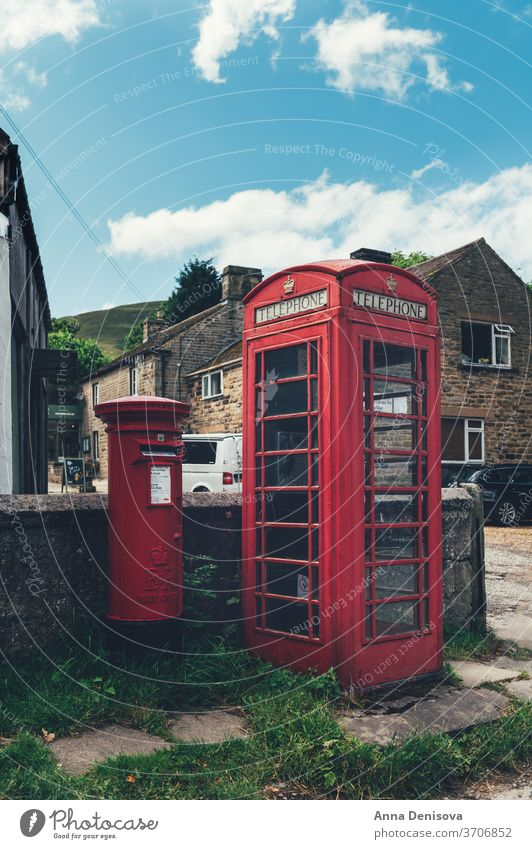 Kleines Dorf Edale im Peak District Zentrum Pub Großbritannien England Hügel Tal Landschaft malerisch Natur Derbyshire reisen Gipfel im Freien Transport Verkehr