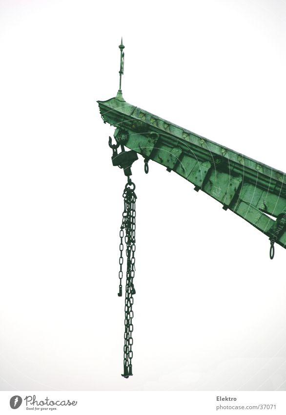 Kran am Kai Ladung heben Kette Seil Portwein Ausleger Liegeplatz Zufriedenheit Lastenaufzug Anlegestelle Güterverkehr & Logistik historisch hebelarm Arme