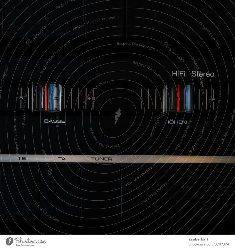 Hifi Stereo - Regler auf einer Hifi-Anlage der 70er in schwarz Bässe Höhe Tuner Kunstoff Schieberegler vintage Technik HiFi Klang Musik Technik & Technologie