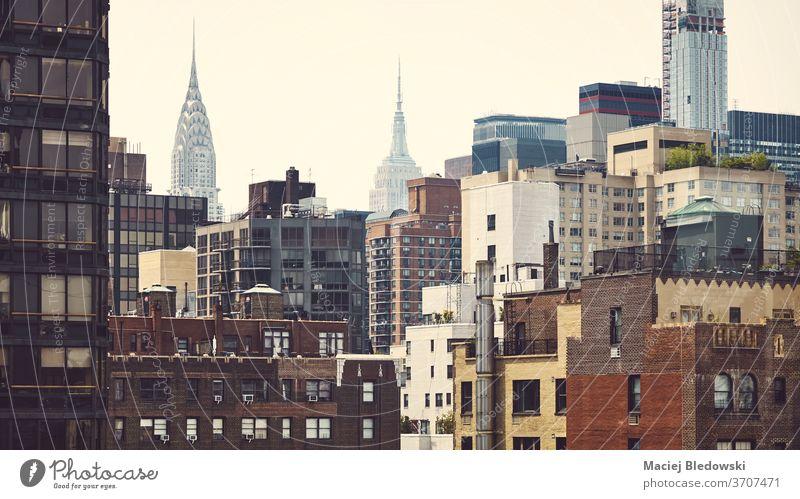 Farbig getöntes Bild der Stadtlandschaft von Manhattan, New York. Großstadt New York State Gebäude Wolkenkratzer Haus Appartement Stadtbild Architektur reisen