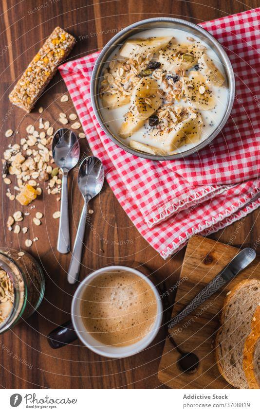 Leckere selbstgemachte gesunde Frühstücksschüssel Gesundheit Schalen & Schüsseln Joghurt Banane Hafer Müsli Frucht Lebensmittel essen frisch Küche Morgen