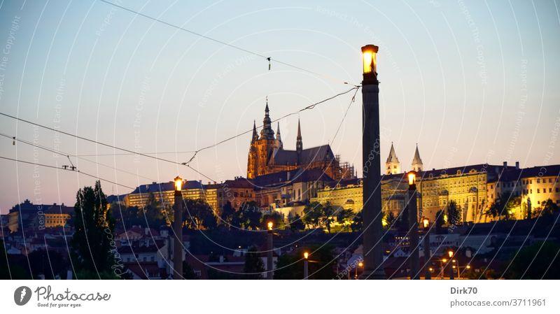 Veitsdom im Abendlicht von der Manes-Brücke aus gesehen veitsdom Hradschin Prager Burg Kleinseite Tschechien Gotik gotische Architektur UNESCO