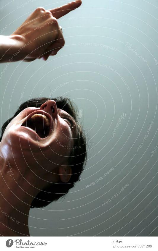 you got to fight for your right! Mensch Frau Hand Erwachsene Gesicht Leben sprechen Gefühle Stimmung Lifestyle Mund Kommunizieren Finger Wut Konflikt & Streit