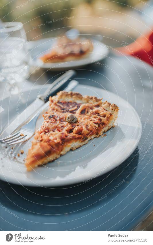 Tomatenkuchen-Scheibe Pizza Torte Mediterrane Ernährung oliv mediterran Gesunde Ernährung Lebensmittel Snack Dip frisch Vegetarische Ernährung Vegane Ernährung