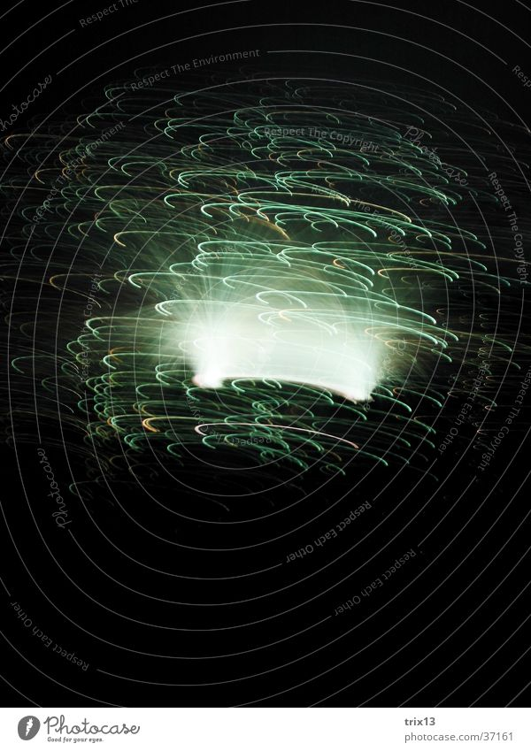 leuchtskulptur5 weiß schwarz Lampe Bewegung Geschwindigkeit Fototechnik