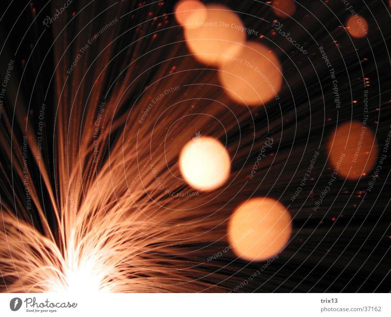 leuchtskulptur4 weiß schwarz Lampe dunkel Bewegung Geschwindigkeit Nähgarn Fototechnik