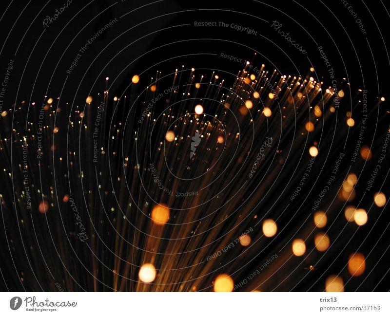 leuchtskulptur3 weiß schwarz Lampe dunkel Bewegung Geschwindigkeit Nähgarn Fototechnik