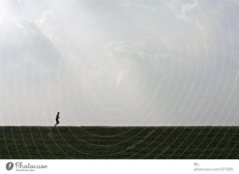 laufen sportlich Fitness Sport Sportler Joggen Mensch maskulin Junger Mann Jugendliche Erwachsene 1 30-45 Jahre Himmel Wolken Leidenschaft fleißig diszipliniert