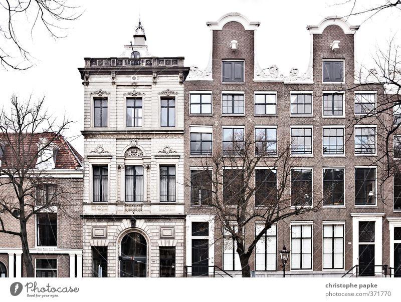 Alte Häuser in Amsterdam; NL Historische Bauten Haus Reichtum historisch Häusliches Leben Traumhaus Mehrfamilienhaus Stadt Stadtzentrum Menschenleer Bauwerk