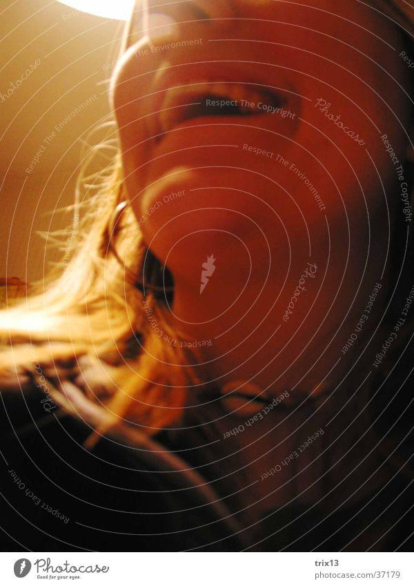 fröhlich... Frau Licht feminin Fröhlichkeit Detailaufnahme Gesicht Mund Hals lachen Schatten Glück Zähne