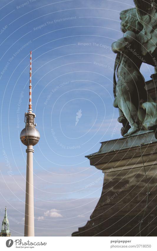 Engel über Berlin Fernsehturm Berlin Hauptstadt Kirche Stadtzentrum Wahrzeichen Sehenswürdigkeit Berliner Fernsehturm Alexanderplatz Tourismus Architektur